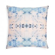 Home-decor - Pillows - Decorative-pillows - Eskayel-nairutya-pillow Outdoor Throw Pillows, Accent Pillows, Decorative Throw Pillows, Den Ideas, My Ideal Home, Pattern Mixing, My New Room, Interior Styling, Home Accessories