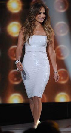 Pinterest: DEBORAHPRAHA ♥️ Jennifer Lopez white dress #jlo #jennifer #lopez #style