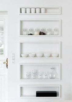 easy and organized open shelfs. I will have a few of these in my new kitchen.