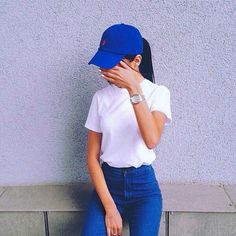 ➖ Women's Fashion • Ralph Lauren • Polo • Classic Chino Sports Cap • Blue • White T-Shirt • High Waisted Jeans #ralphlauren #polo