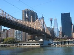 Cable car, highway, subway, electricity,....., a view from the Roosevelt Island