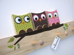 To Make - Peg board with limb painted on. Owls on top (cut from wood, deco with scrapbook paper)