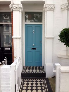 151 best images about ~farrow & ball~ colours~ front~doors . Victorian Front Doors, Victorian Porch, Bright Front Doors, Front Door Colors, British Decor, Exterior Tiles, House Paint Interior, Interior Design, Cottage Door