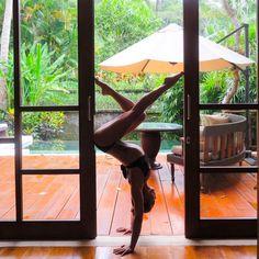 "JANICE LIOU.ɪɴᴛʟ ʏᴏɢᴀ ᴛᴇᴀᴄʜᴇʀ (@jl.yoga) on Instagram: ""#tbt to making silhouette shapes in beautiful Bali ubud #soonsosoon #dowhatyoulove #travelbug [DM…"""