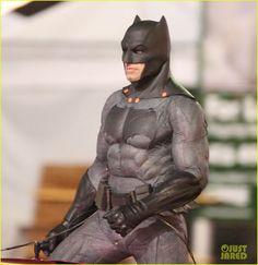 CIA☆こちら映画中央情報局です: Suicide Squad: 「バットマン V スーパーマン : ドーン・オブ・ジャスティス」の新・ダークナイトの姿が初めて鮮明に目撃された、悪のコミックヒーロー映画「スーサイド・スクワッド」のジョーカーとハーレー・クインに迫るセット・フォト!! - 映画諜報部員のレアな映画情報・映画批評のブログです