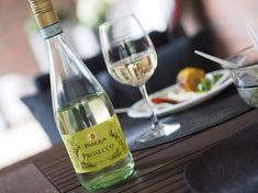 Prosecco, White Wine, Alcoholic Drinks, Glass, Food, Drinkware, Corning Glass, Essen, White Wines