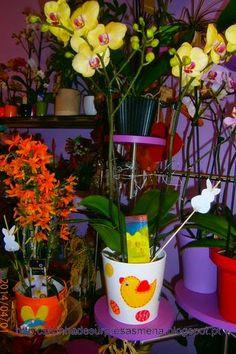 """vaso pintado à mão , à venda na  Florista """"Doze Pétalas"""" - Rua de Cedofeita, 273 -A- Porto Telef: 967741776 -http://caixinhadesurpresasmena.blogspot.pt/"""