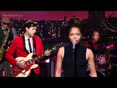 Mark Ronson, Erykah Badu, Zigaboo Modeliste, Dap Kings - excellent nod to jazz funk on David Letterman (2/14/12)