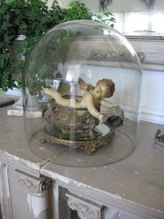 Eye For Design: Decorating Under Glass With Cloches And Domes Glass Bell Jar, The Bell Jar, Glass Domes, Glass Jars, Bell Jars, Cloche Decor, Shabby Chic Stil, Vibeke Design, French Style Homes