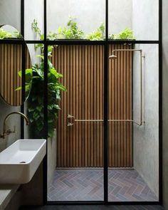 indoor / outdoor shower by Breathe Architecture Indoor Outdoor Bathroom, Outdoor Walls, Outdoor Decor, Outdoor Showers, Indoor Outdoor Living, Outdoor Ideas, Architecture Awards, Interior Architecture, Australian Architecture