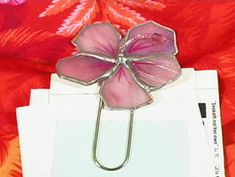 How to Make a Stained Glass Paper Clip : Decorating : Home & Garden Television