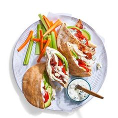 Pita Recipes, Healthy Dinner Recipes, Balanced Meals, Lunch Snacks, Chicken Sandwich, Food Reviews, Rotisserie Chicken, Budget Meals, Stuffed Peppers