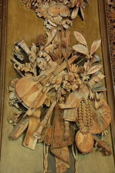 Grinling Gibbons  17th Century Master Wood Carver.  Isaw some of his carvings in the Victoria and Albert Museum and was mesmerised by the beauty and master skill of this wood artist.  R McN