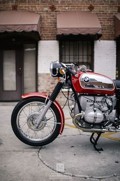 Restoration, reconditioning and customization of 1970 to 1984 BMW R-Bikes; and models, with an emphasis on and BMW Cafe Racers. Bike Bmw, Bmw I, Moto Bike, Bmw Motorcycles, Vintage Motorcycles, Bmw Vintage, Vintage Bikes, Bmw Scrambler, Motorcycle Racers