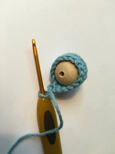 Crochet Baby Rattle with Balls, Free Crochet Recipe, Baby Rattle Idea, Crochet Crochet Patterns Amigurumi, Baby Knitting Patterns, Loom Knitting, Baby Patterns, Crochet Toys, Quick Crochet, Crochet For Boys, Free Crochet, Crochet Baby Shoes