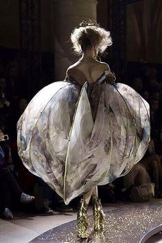 FCBTC / Guo Pei   Haute Couture   Spring 2017
