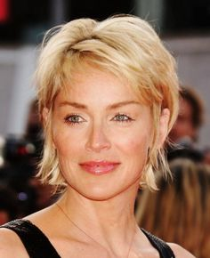 Simple and Creative Tips: Women Hairstyles Over 50 Posts shag hairstyles diy.Women Hairstyles Over 50 Gray two cornrows hairstyles.Women Hairstyles Over 50 Posts. Sharon Stone Hairstyles, Bob Hairstyles For Fine Hair, Hairstyles Over 50, Modern Hairstyles, Short Hairstyles For Women, Cool Hairstyles, Short Haircuts, Choppy Hairstyles, Layered Haircuts