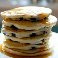 Pancakes are a go-to choice for breakfast in bed on Add blueberries and a little bit of love for a sweet surprise. Anna Olson, Breakfast Bites, Breakfast Recipes, Chef Recipes, Baking Recipes, Blueberry Pancakes, Blueberry Syrup, Crispy Baked Chicken Wings, Crepes And Waffles