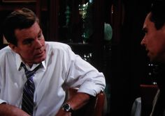 Jack lets Billy know that Victor's been shot and that Nikki's been abducted by Ian Ward.