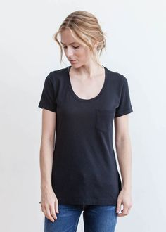 Quite possibly the only tee you will ever need, our Isabella tee features a flattering U-neckline, single chest pocket and is made from the softest and finest solid jersey blendheather tri-blend – mak