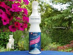 Vivasan VivaClean Flecken-Spray ist ein kraftvoller Reiniger, welcher unübertroffen in seiner Reinigungswirkung bei der Entfernung von Schmutz und Flecken auf Öl Basis als auch auf Wasserbasis ist.