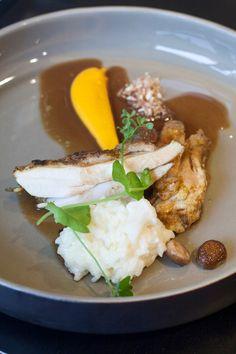 Filet van poulet de Bourgogne, risotto met bloemkool, wortelzalf - Hap en Tap