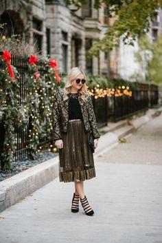 Black & Gold for the Holidays!   @bowsandsequins