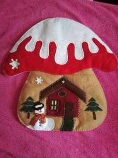 Christmas mushroom rnrnSource by Felt Christmas, Christmas Stockings, Christmas Crafts, Stuffed Mushrooms, Diy Projects, Diy Crafts, Holiday Decor, Pattern, Snowman