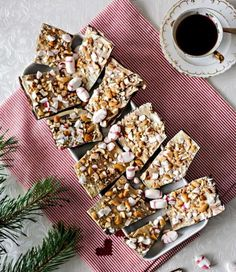 Årets läckraste julgodis – 8 fantastiska recept | Land Christmas Baking, Christmas Cookies, Swedish Recipes, Candy Recipes, Food Cravings, Deserts, Food And Drink, Xmas, Sweets