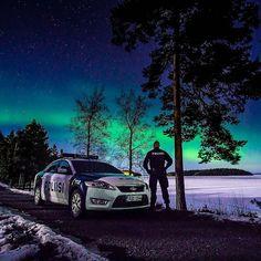 Talvi on kylmää ja pimeää aikaa, mutta kevättä kohti mennään. Tässä kuvassa Suomen talvea kauneimmillaan ❄🌟. Mukavaa loppiaista ja viikonloppua kaikille. ☺ #poliisi #suomenpoliisi #polis #polisen #police #polizei #winter #suomi #finland #suomentalvi #revontuli #revontulet #aurora #auroras #auroraborealis #northernlights #tähtitaivas #tähdet #stars #sky #yö #yövuoro #nightsky #nightshift #tampere #perjantai #viikonloppu #loppiainen #friday #weekend