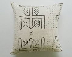 White and Black African Mudcloth Pillow Cover - Tribal Throw Pillows - Ethnic…