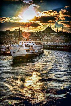 🇹🇷 Istanbul,by Yasar Koç Places Around The World, Around The Worlds, Wonderful Places, Beautiful Places, Places To Travel, Places To Go, Turkey Holidays, Istanbul City, Turkey Photos