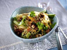 Unser beliebtes Rezept für Glasnudelsalat mit Räuchertofu und Mango und mehr als 55.000 weitere kostenlose Rezepte auf LECKER.de.