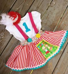 New Baby Dress Birthday Diaper Covers Ideas Circus Theme Party, Carnival Birthday Parties, Circus Birthday, 4th Birthday, New Baby Dress, Clown Clothes, Circus Outfits, Carnival Girl, Circo Vintage
