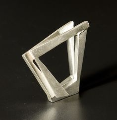 'Arquitectural Spatial' silver ring by Oscar Abba