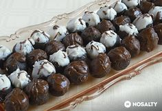 Mézes-diós csokigolyó Love Natural, Small Cake, Winter Food, Natural Health, Nutella, Fudge, Stuffed Mushrooms, Food And Drink, Pudding