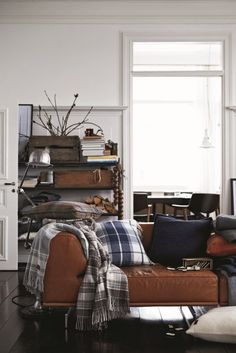 Living Room Decor for Men Bachelor Pads. Living Room Decor for Men Bachelor Pads. Bachelor Pad Ideas Decorating A Young Man S Apartment On A Masculine Living Rooms, Masculine Interior, Masculine Room, Manly Living Room, Masculine Apartment, Design Salon, Home Design, Design Ideas, Design Inspiration