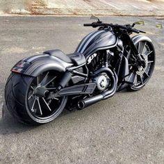 davidson custom motorcycles v rod Motos Harley, Harley Bikes, Harley Davidson Motorcycles, Triumph Motorcycles, Cool Motorcycles, Bobbers, Vrod Custom, Custom Street Bikes, Futuristic Motorcycle