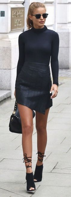 This outfit is HOT Ribbed Turtle Neck - Boohoo Leather Zip Skirt - Ankle Boot Heels - Public Desire - Gold Studded Bag - La Moda Fashion Mode, Look Fashion, Winter Fashion, Womens Fashion, Fashion Trends, Street Fashion, Fashion Boots, Fashion Beauty, Fashion Black