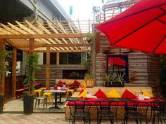 See the best places around #KC to dine al fresco and while away lazy spring days and summer evenings.