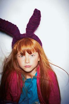 I don't really like the ears, but the red head looks cute! Roux Auburn, Little People, Little Girls, Kids Mode, Shooting Photo, Halloween Disfraces, Ginger Hair, Stylish Kids, Kid Styles