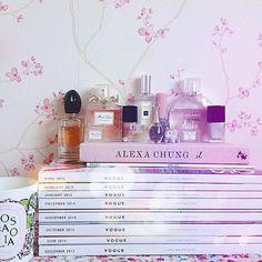My bedside table is looking a little cluttered - I definitely don't need any more perfume! 💅💕💗 #vogue #voguestack #voguemagazinestack #diptyque #diptyquerosafolia #rosafolia #missvogue #alexachungit #georgioarmanisi #georgioarmani #missdior #dior #jadore #jadoredior #chloeperfume #chanelnail #nailvarnish #nailpolish #jomalonewoodsageandseasalt #paulandjoe #chanelchance #chanceeutendre #chanelparadiso #chanelatmosphere #bblogger #fblogger #fbloggers #blog #blogger #rosegoldblog