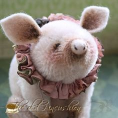 Piggy Rosa pattern on Etsy from theoldpincushion.  So stinkin' cute ♥  You've got to check out the rest of her work.