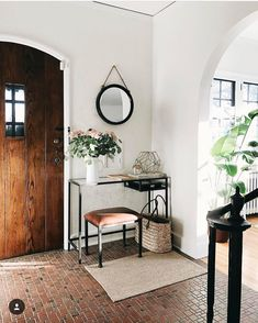 丸いフォルムが可愛い♡丸いウォールミラーで空間にアクセントを♪ | folk Furniture Plans, Kids Furniture, Furniture Chairs, Garden Furniture, Bedroom Furniture, Outdoor Furniture, System Furniture, Entryway Decor, Hall Table Decor
