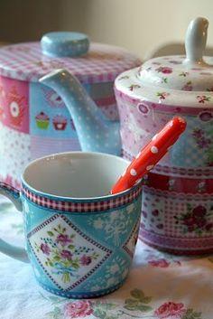 Charming tea set!