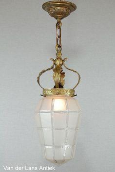 Antieke lantaarn 25572 bij Van der Lans Antiek. Meer antieke lampen op www.lansantiek.com