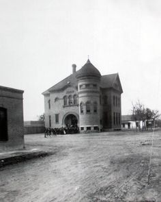 Public education started in El Paso in 1883; this is the Franklin School, it was located at the intersection of Leon & Overland streets (same intersection where the Rock House Cafe & Gallery is now located across the street)...
