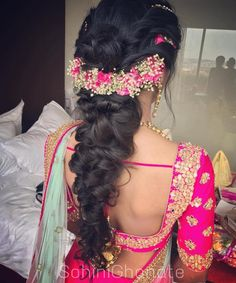 ideas indian bridal hairstyles for long hair beautiful hair hairstyles bridal 236579786663203633 Ethnic Hairstyles, Wedding Hairstyles For Long Hair, Bride Hairstyles, Hairstyles Haircuts, Indian Hairstyles For Saree, Long Hair Wedding Styles, Long Hair Styles, Bridal Hairdo, Wedding Updo