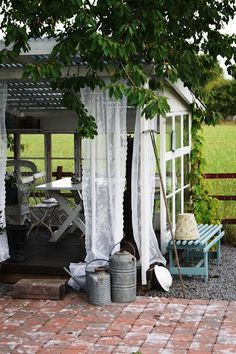 Gardenroom via Vintage Interior Blogs VI