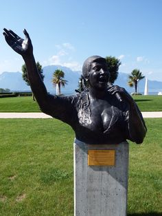 Statue to Aretha Franklin, designed by Italian artist Marco Zeno, stands in the gardens of the Montreux Palace